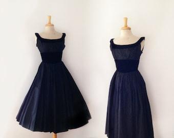"""1950s """"Gigi young"""" black tafetta and velvet full skirt party dress size xsmall"""