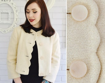 Vintage Cream Burlap-Style Cropped Jacket with Scalloped Edges and Large Buttons Size Small or Medium