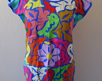 Mexican embroidered blue challis blouse huipil tunic  multi color floral resort cover-up Oaxaca side Medium