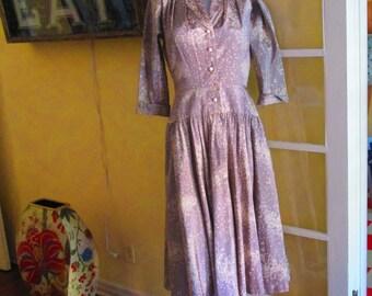 1950s Rayon Day Dress By Ajak and Jack Needleman / 50s Gray White Drop Waist Dress Flattering