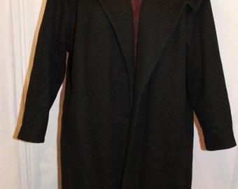 Gorgeous Vintage Black coat with detail