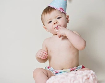 Girls First Birthday Cake Smash Outfit With Diaper Cover Party Hat Pearl Necklace in Pastel Mint Turquoise Light Pink Vintage Floral Print