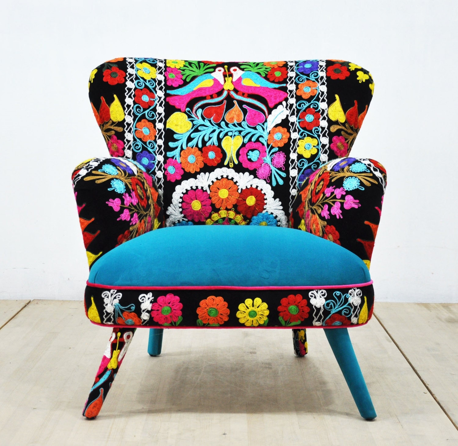 Suzani Armchair birds in love I