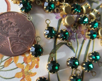 Vintage Swarovski Emerald   Crystal With Hoop