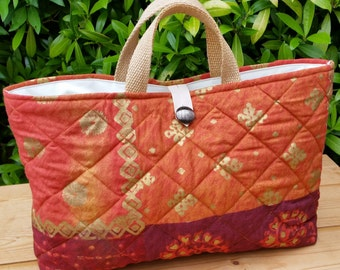 Quilted Knitting Bag with Cream Cotton Lining and 3 Inner Pockets