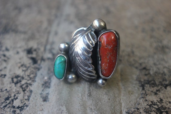 Vintage RING /  Navajo Style Coral & Turquoise Jewelry / Sterling Southwestern Size 6 3/4 Ring