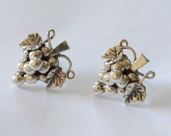 SALE Vintage Sterling Silver Taxco Grape Bunch Pierced Post Earrings