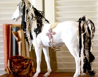 French Country Majestic Horse Statue,Horse Decor, French Farmhouse decor, Shabby Chic Horse,