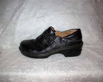 Vintage Ladies Black Leather Slip Ons Loafers  Clogs by Cabela's Size 9 Only 7 USD