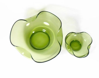 Vintage Green Chip and Dip Bowl Set, Avocado Green Glass, Salad Serving Bowl, Anchor Hocking, Accent Modern, Mid Century 1960s Glass Bowls