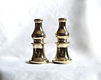 Fine Pair of Gleaming Brass Lamp Finials LIke Chess Pieces, Versatile Reliable