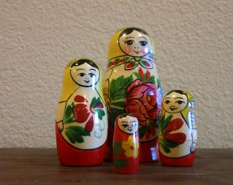 Vintage Matryoshka Russian Nesting Dolls Girls Women Mom Daughters Wood Toy Soviet