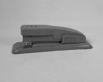 Swingline Stapler Gray Metal Model Vintage Office Retro Works Great Full Size