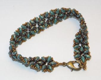 Superduo Fluer Beaded Bracelet