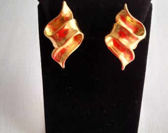 Gold Tone Ribbon Earrings
