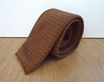 Vintage Clay Knit Necktie / men's preppy brown tie