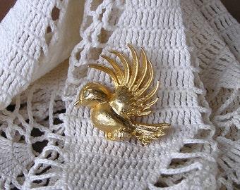 Vintage Goldtone Bird Brooch with Rhinestone Eye