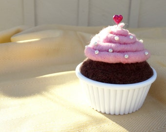 Needle felted cupcake pincushion