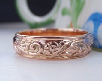 Vintage Solid 9K Rose Gold Wedding Band or Stacking Ring. Lovely Floral Embossed Forget-Me-Not Pattern. Rich Glowing Rosey Gold Vintage Band
