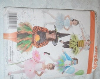Simplicity  2071 Childs and Girls Costume Sewing Pattern - UNCUT Size 3 4 5 6