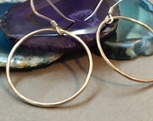 Sterling Silver Hoop Earrings. Hammered Polished Eternity / Karma Circle Earring. Minimalist Simple Hypoallergenic Earrings