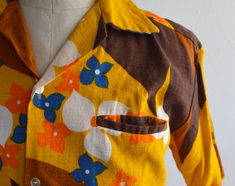 Vintage 1960s Floral Barkcloth Hawaiian Shirt by Tropicana Size Medium
