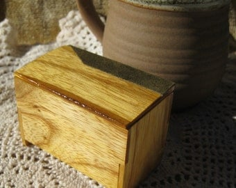 Hand-Crafted Miniature Box (ash, leather) BX-16