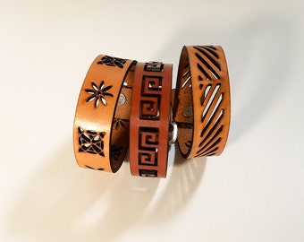 Art Deco Bracelet in leather with adjustable button closure, leather bracelet, leather cuff bracelet, leather cuff, hipster, mens bracelet