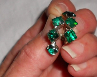 Vintage screw back earrings 1940s paste emeralds large glass stones