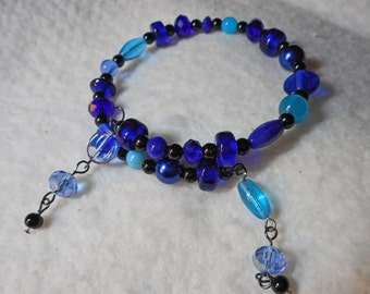 Beautiful Blue Beaded Memory Wire Bracelet  (I 607)