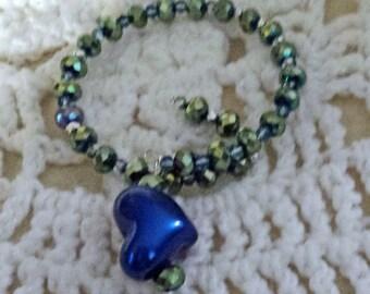 Beautiful Blue Beaded Memory Wire Bracelet (I 440)