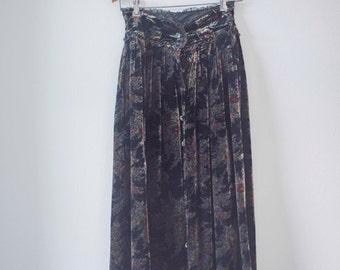 50 % OFF Velvet Midi Skirt || Vintage 80s || Floral Victorian Steampunk