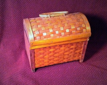 Wicker Basket Box with Lid and Handle - Sewing or Craft Box - Put Flowers or Ivy Inside, Decor Piece - Indoor, Outdoor Patio Planter