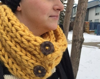 Molly - Super Chunky Button Scarf - MADE TO ORDER