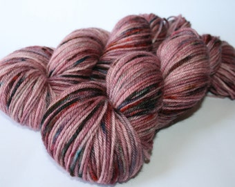 8ply / DK, Bluefaced Leicester Wool, Superwash.