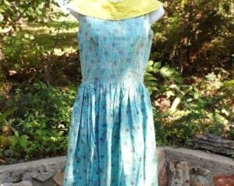 Vintage Cotton Summer Dress-Handmade 1950's Swing Style-Pleats-Vintage-Simple Flowers-Side Zipper-Retro Fabric-Orphaned Treasure-082216G