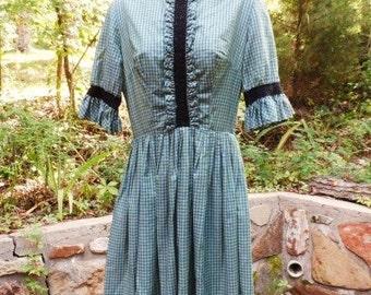 Vicky Vaughn Cotton Summer Dress-Schoolgirl Style-Pleats-Vintage Clothing--Checks-Lace Accent-Back Zipper-Junior--Orphaned Treasure-082516