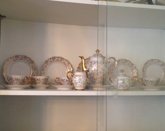 Vintage 21pc Haus Dresden Demitasse Set 24kt Gold Over White Porcelian Fina China