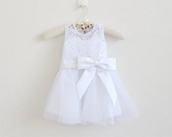 White Flower Girl Dress Baby Girls Dress Lace Tulle White Flower Girl Dress With Bows Sleeveless Knee-length/Floor-length