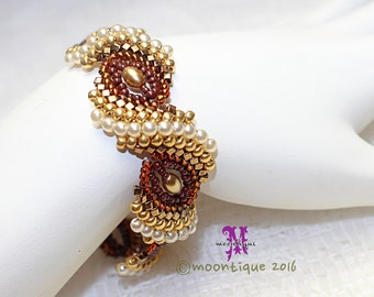 CurlyShells Beaded Bracelet Tutorial