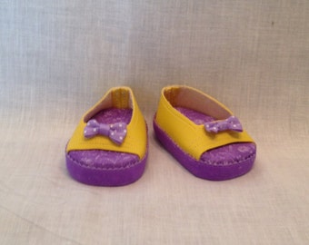 "18"" doll: Yellow peep toe shoes with a purple bow detail and soles"