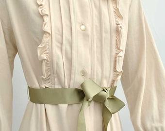 Vintage 1960s Cream Robe Housecoat • Loungewear