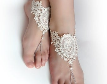 Lace Chain Barefoot Sandals. Ivory Foot Jewelry. Ivory Pearl Beads. Silver Chain Slave Anklets. Beach Wedding. Bridal Accessory. Set of 2