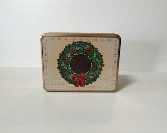 OREO CHRISTMAS TIN,Vintage cookie tin,1990 Christmas tin,tin with wreath,cookie tin,brown tin,vintage advertising tin, promotional tin