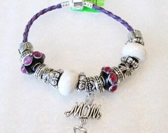 1221 - NEW - MOM Bracelet