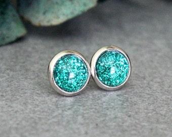 Green Stud Earrings, Green Earrings, Green Post Earrings, Green Glitter Earring, Green Sparkle Earrings, Green Studs, Green Earring 8MM