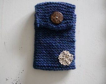 Knitted Phone Case, Knit Smartphone Case, Blue Knit Phone Case, Knitted Phone Holder, Knitted iPhone Case, Electronic Accessory