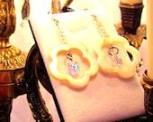 Magnifique boucle d'oreille avec swarovski & nacre