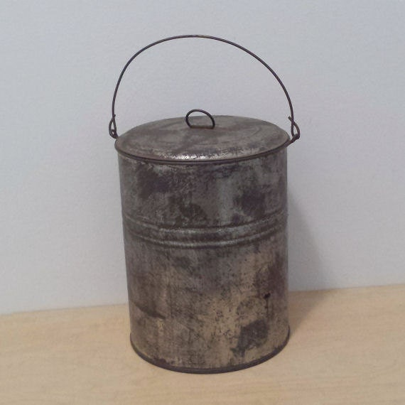 Tin lunch pail with lid and handle metal bucket vintage for Old metal buckets