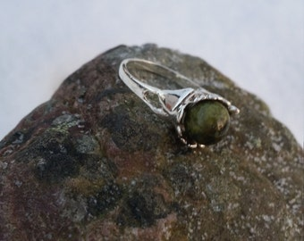 Silver ring with moss agate, inspired of the native Norwegian sapmi-people
